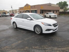 Hyundai Sonata 500.00 total down NICEST CAR ON THE LOT 2015