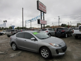 Mazda Mazda3 UNDER 10G'S WITH ONLY 500.00 TOTAL DOWN 2013