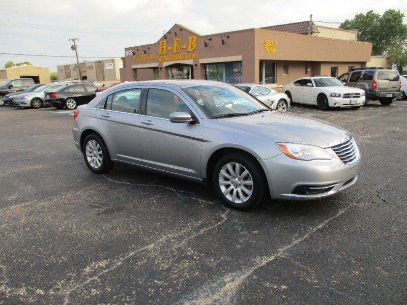 2013 Chrysler 200 ALL CREDIT 500.00 TOTAL DOWN