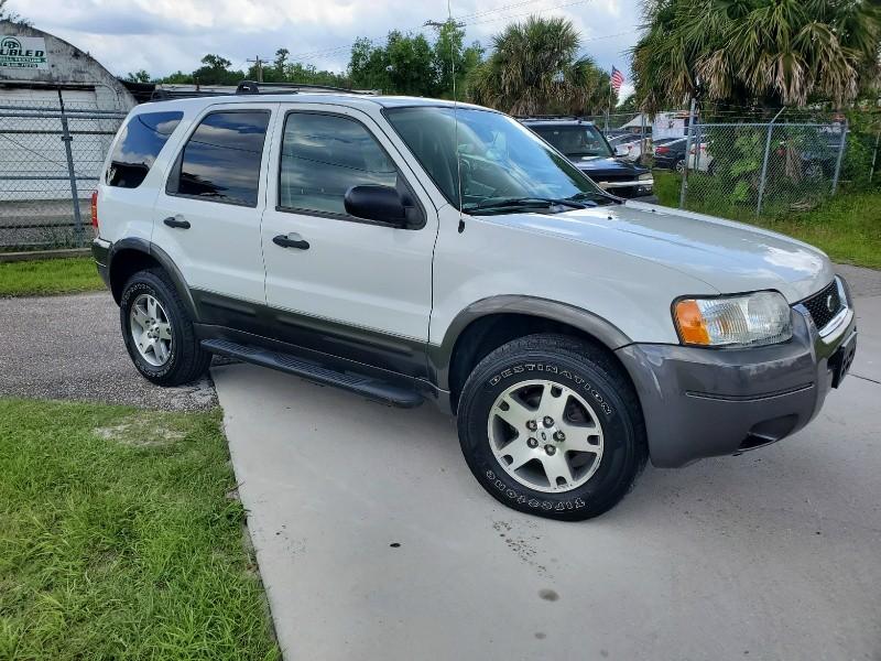 Ford Escape 2004 price $4,497