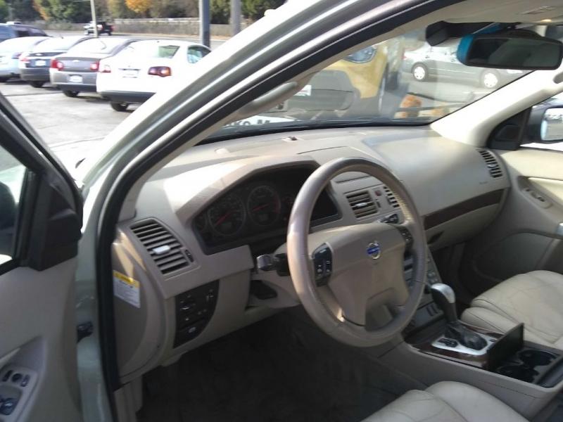 VOLVO XC90 2003 price $4,495