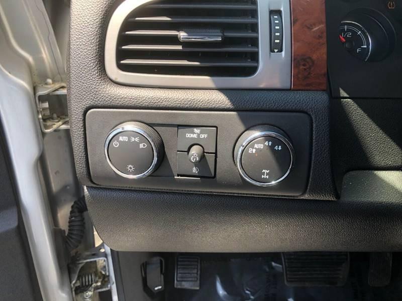 Chevrolet Suburban 2010 price $11,900