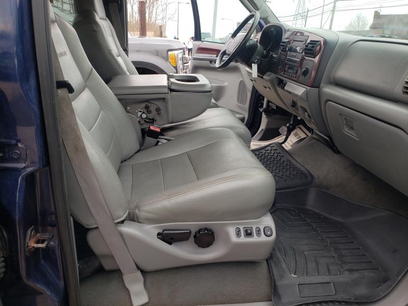Ford Super Duty F-350 SRW 2005 price $10,995