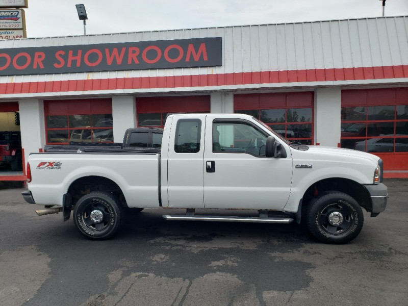 Ford Super Duty F-250 2006 price $9,495