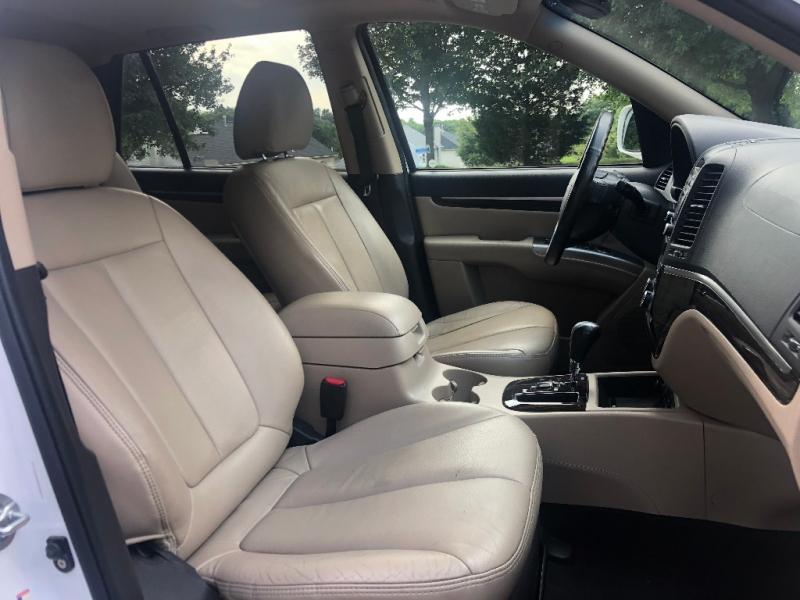 Hyundai Santa Fe 2011 price $8,495