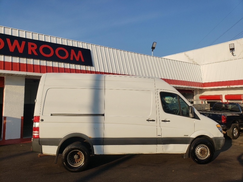 Mercedes-Benz Sprinter Cargo Vans 2013 price $9,995