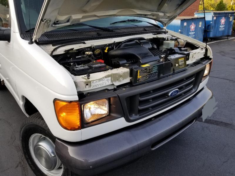 Ford Econoline Cargo Van 2006 price $8,495