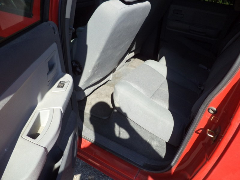 Dodge Dakota 2005 price $5,450