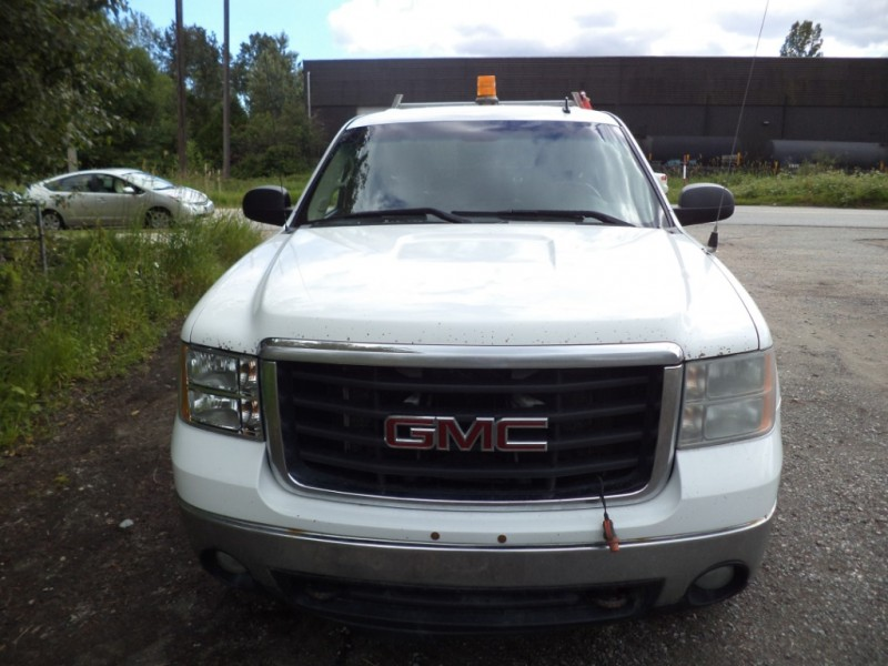 GMC Sierra 3500HD 2009 price $9,950