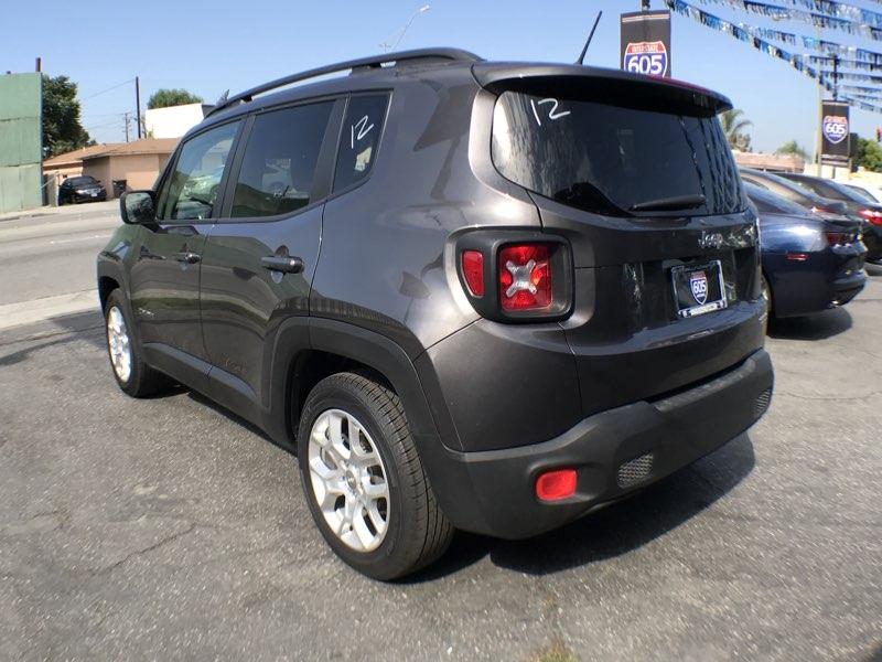 Jeep Renegade 2017 price $15,075