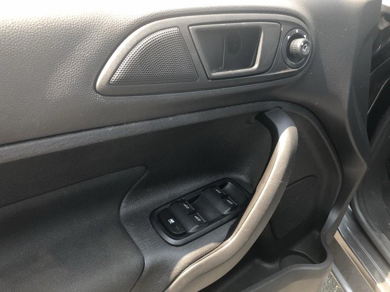 Ford Fiesta 2017 price $9,075