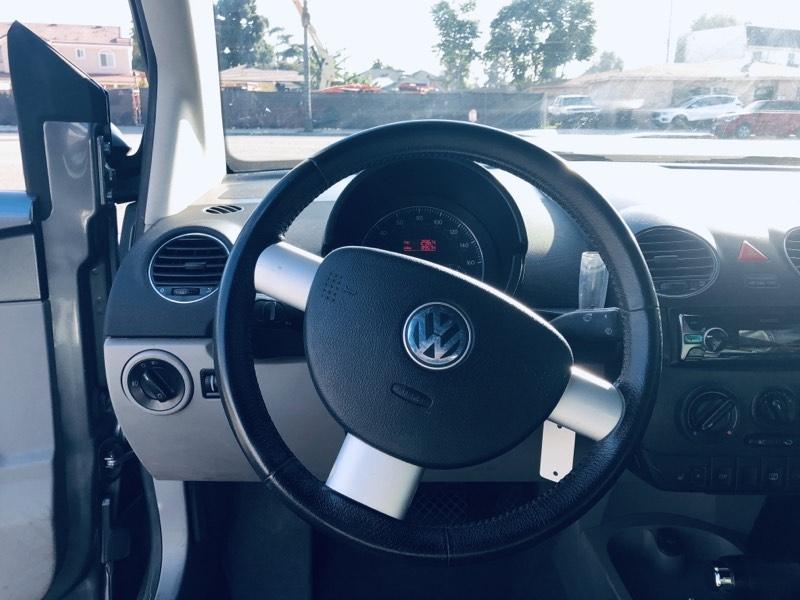Volkswagen New Beetle Convertible 2006 price $5,400