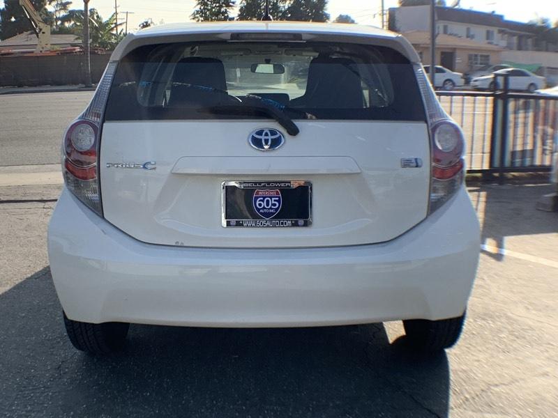 Toyota Prius c 2014 price $11,300