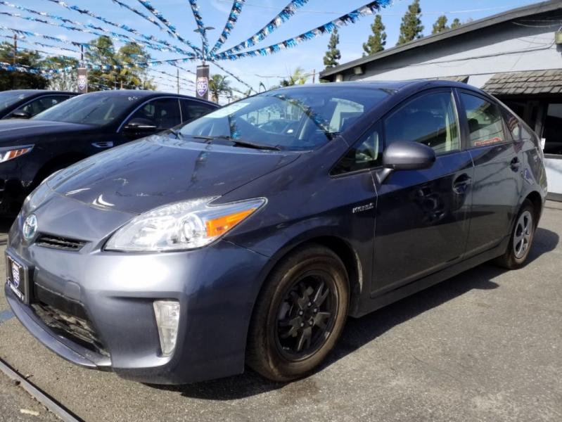 Toyota Prius 2015 price $11,900