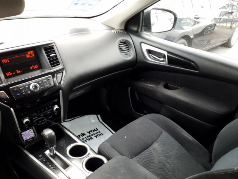 Nissan Pathfinder 2013 price $15,000
