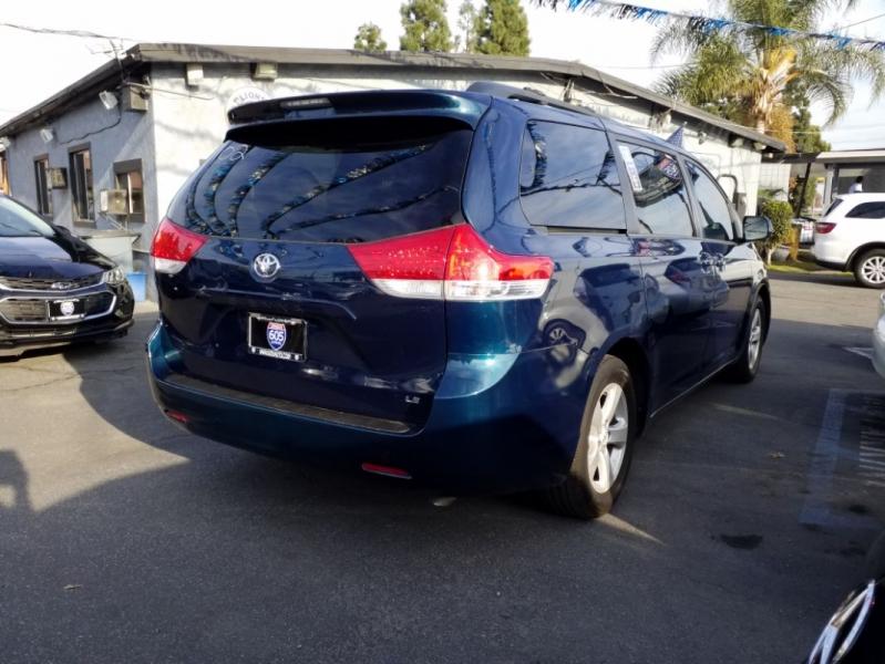 Toyota Sienna 2012 price $14,295