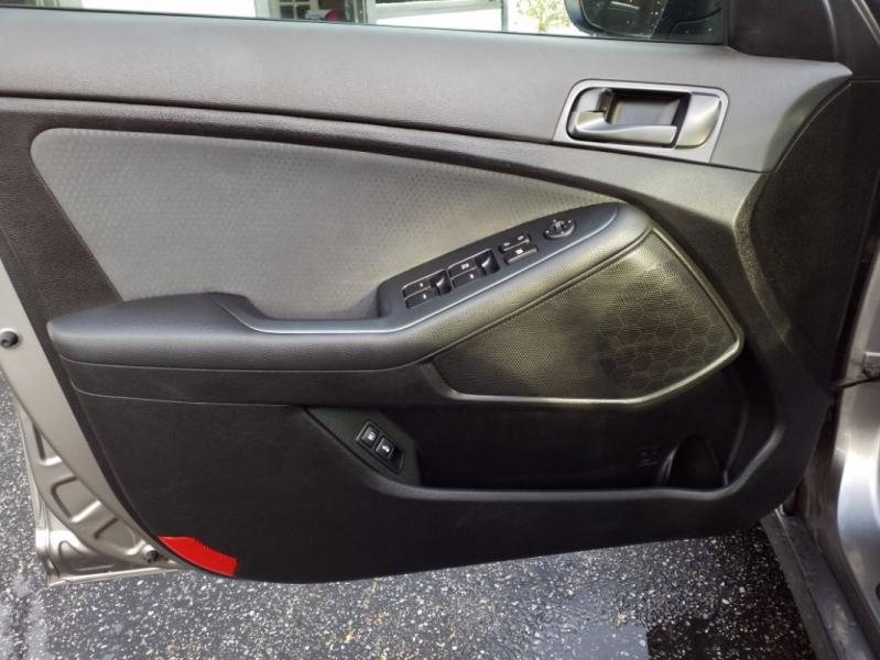 Kia Optima 2015 price $12,999