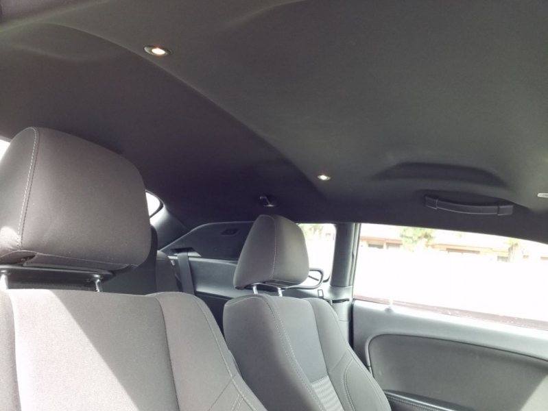 Dodge Challenger 2017 price $16,495