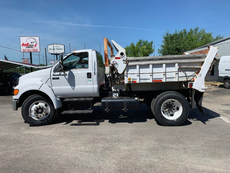 Ford Super Duty F-650 Straight Frame 2004 price $26,995