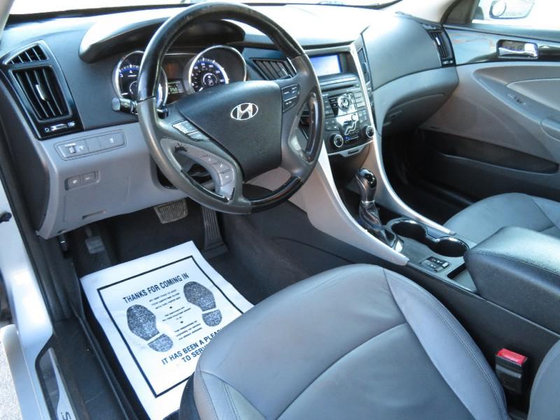 Hyundai Sonata 2011 price $5,850