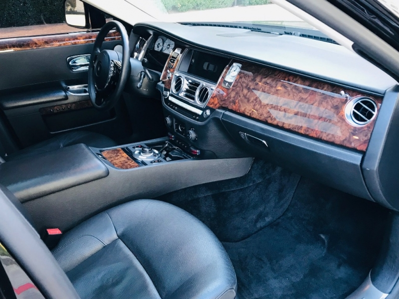 Rolls-Royce Ghost 2010 price $93,999