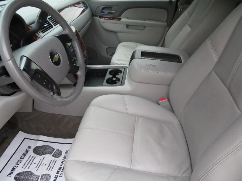 Chevrolet Suburban 2010 price $15,450
