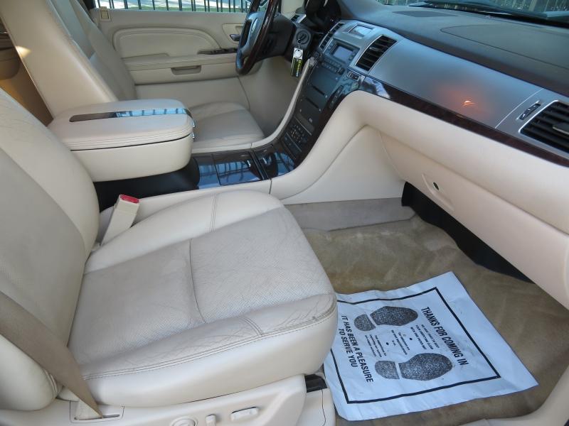 Cadillac Escalade ESV 2007 price $9,850