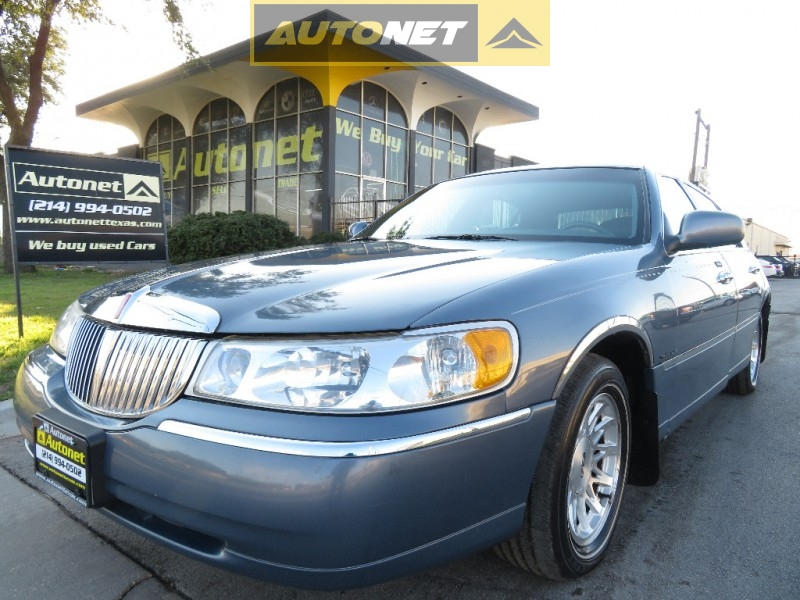Lincoln Town Car 1999 price $3,350