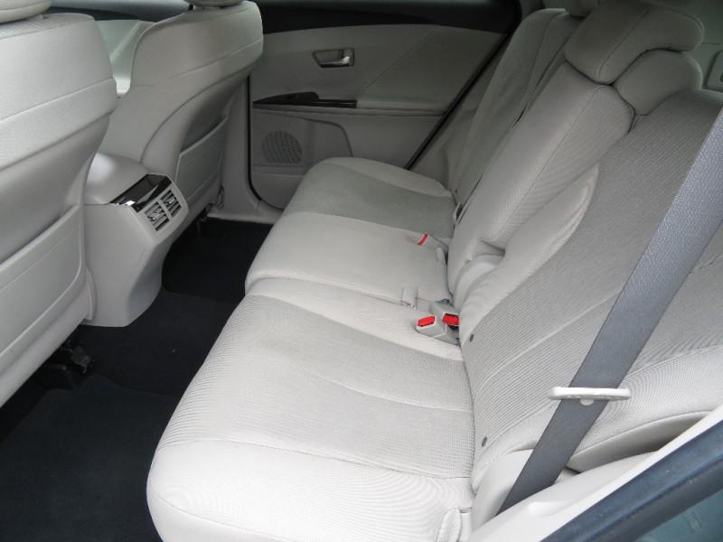 Toyota Venza 2010 price $13,590