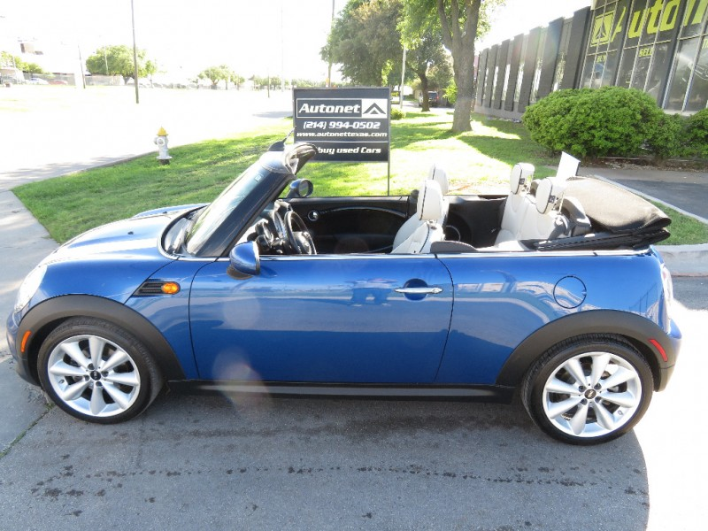 Mini Cooper Convertible 2012 price $9,890
