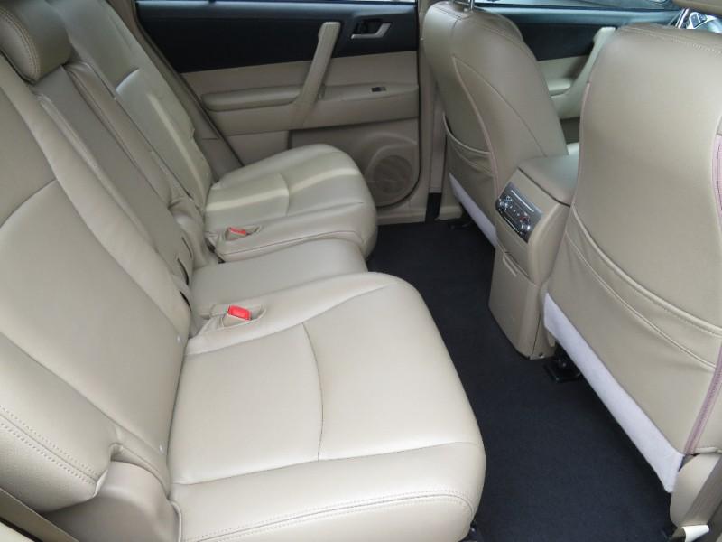 Toyota Highlander 2012 price $10,599