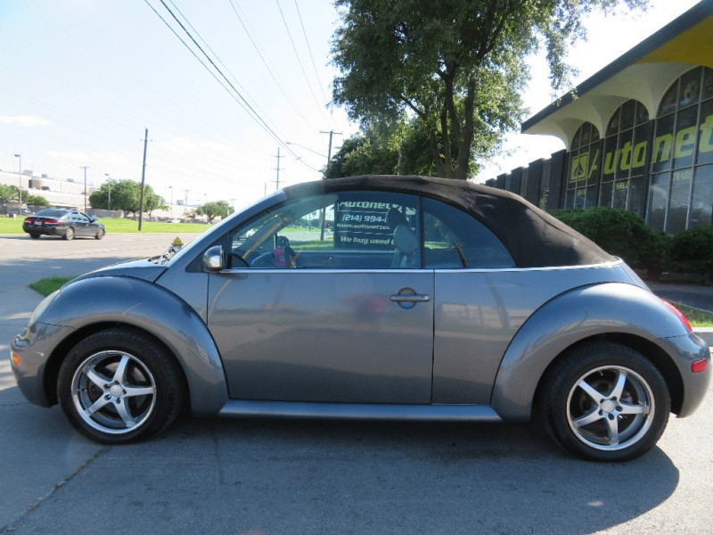 Volkswagen New Beetle Convertible 2004 price $3,999