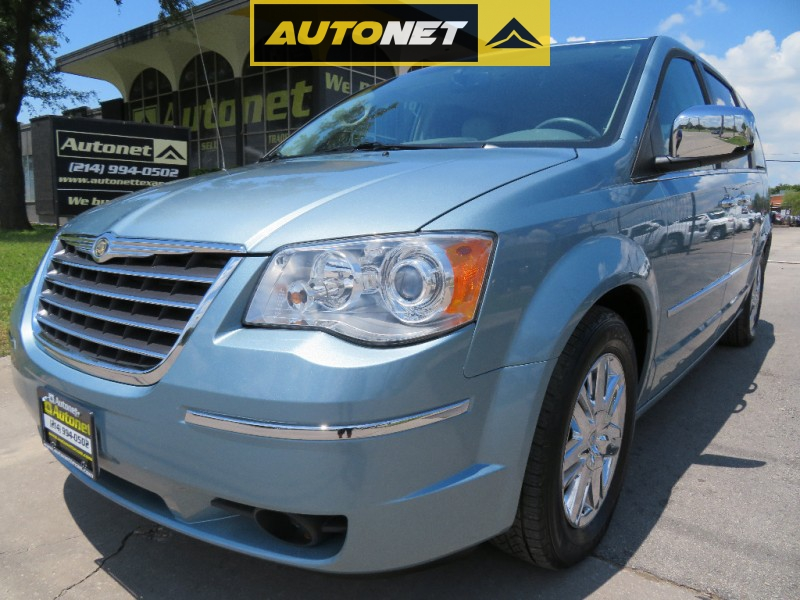 Chrysler Town & Country 2008 price $8,955