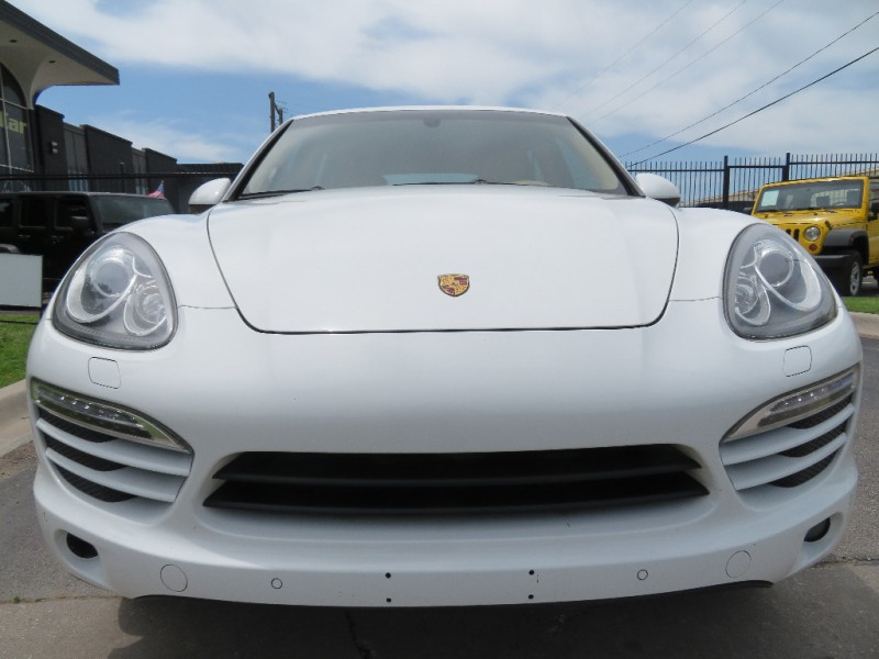 Porsche Cayenne 2012 price $16,490