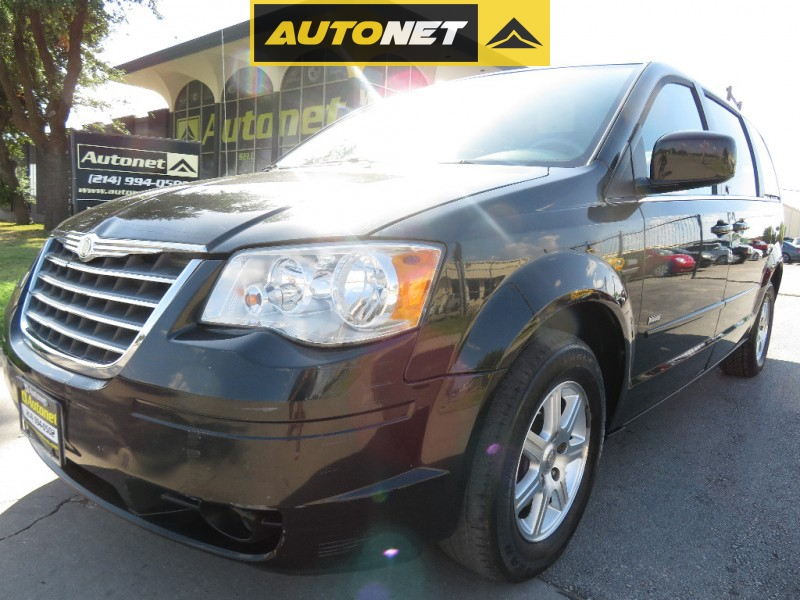 Chrysler Town & Country 2008 price $7,850