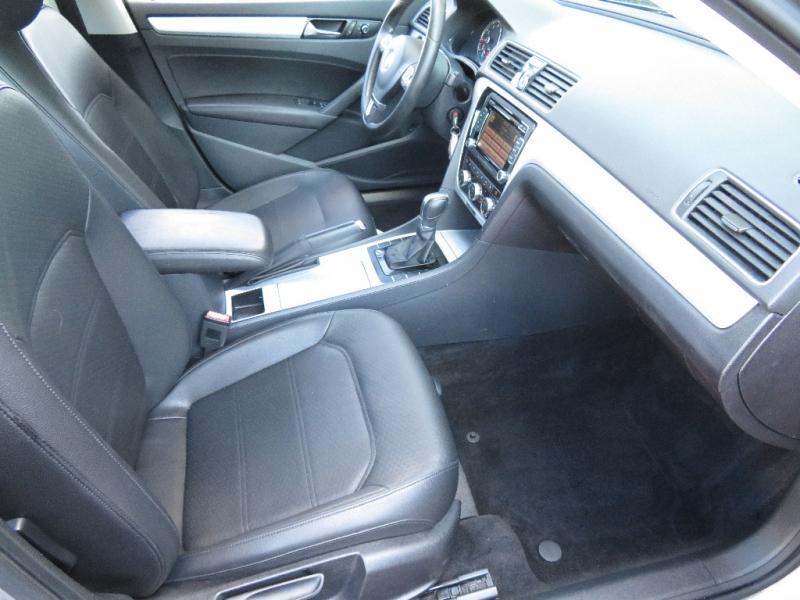 Volkswagen Passat 2012 price $6,410
