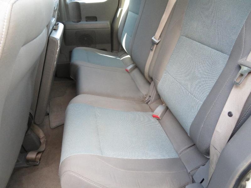 Nissan Titan 2005 price $4,890