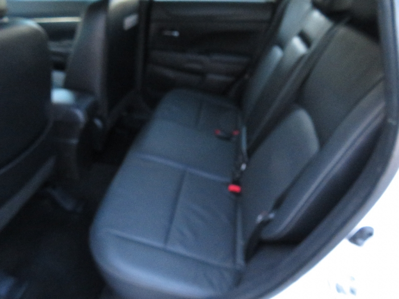 Mitsubishi Outlander Sport 2015 price $8,999