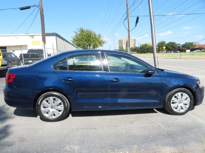 Volkswagen Jetta Sedan 2011 price $5,595