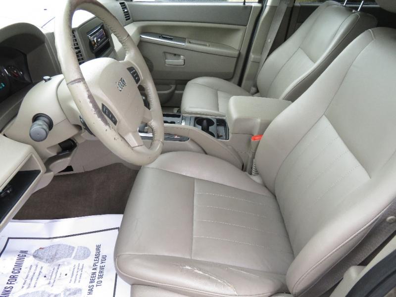 Jeep Grand Cherokee 2005 price $3,840
