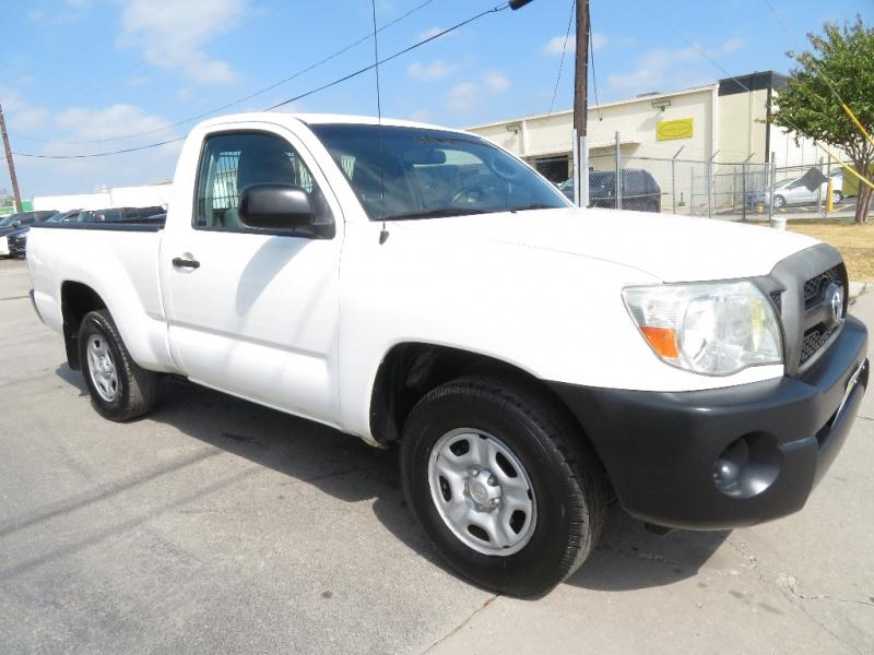 Toyota Tacoma 2011 price $8,999