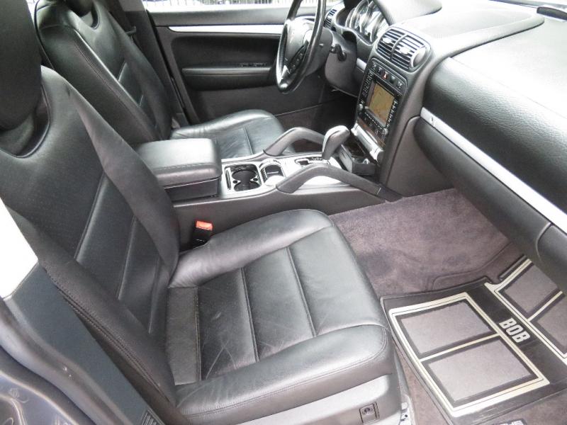 Porsche Cayenne 2004 price $6,890