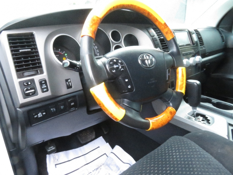 Toyota Tundra 4WD Truck 2011 price $11,890