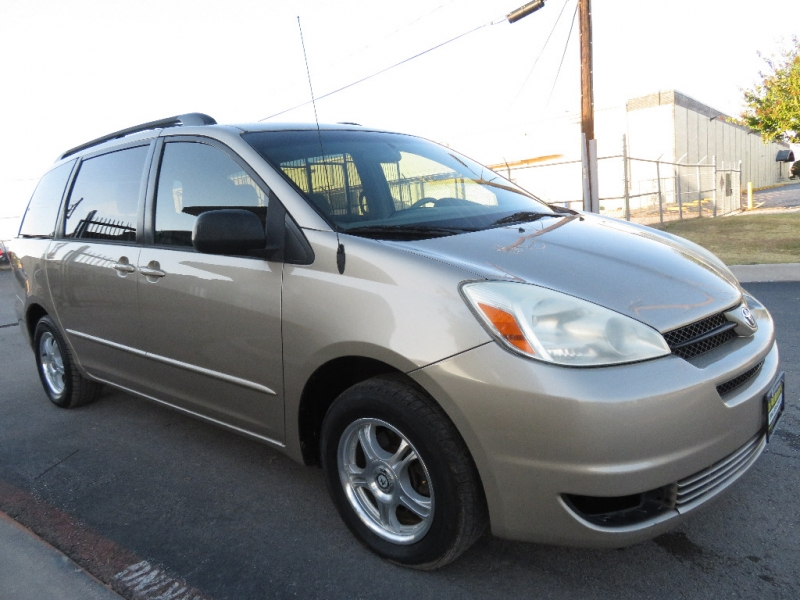Toyota Sienna 2005 price $3,980