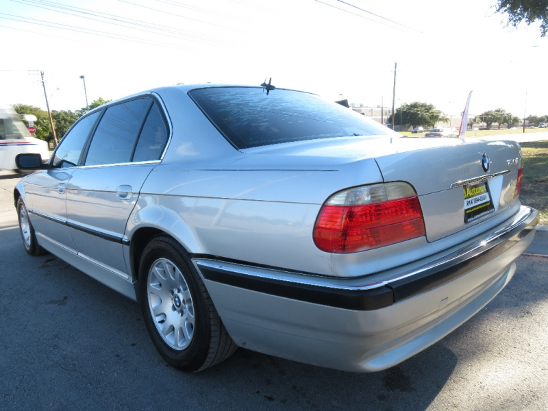 BMW 7-Series 2001 price $2,995