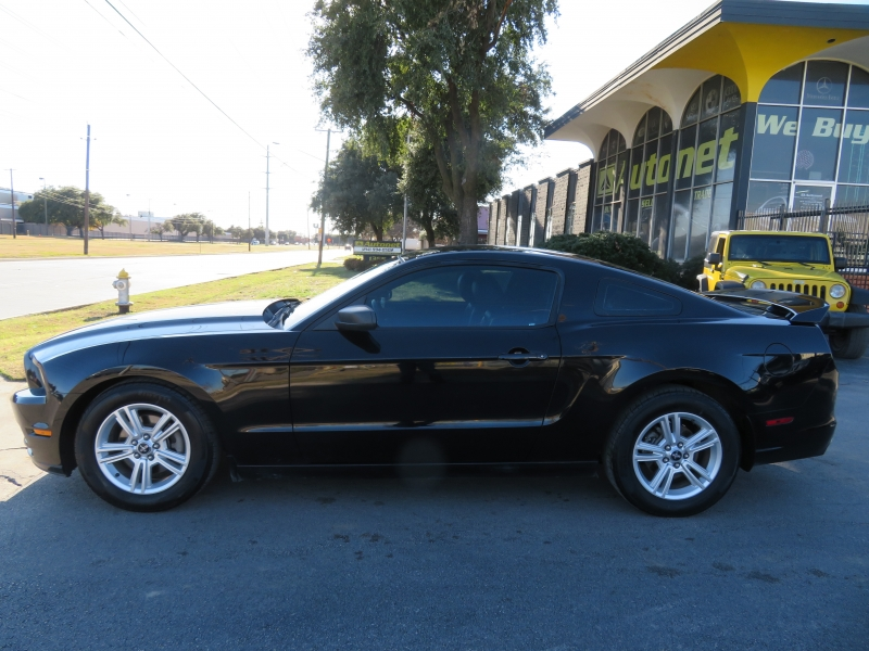 Ford Mustang 2013 price $7,999