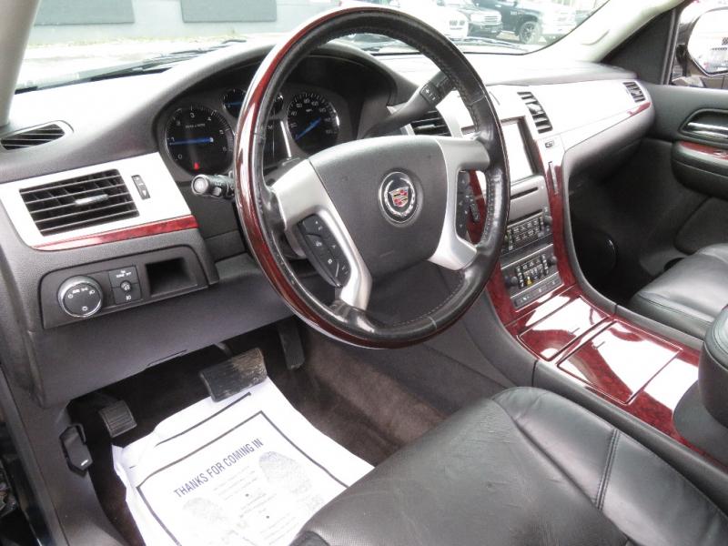 Cadillac Escalade 2008 price $10,890