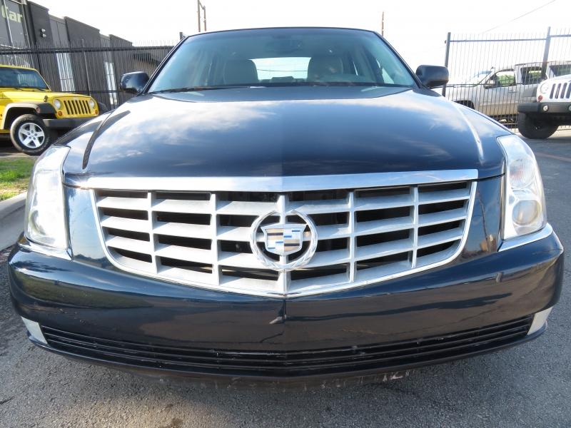 Cadillac DTS 2009 price $6,490