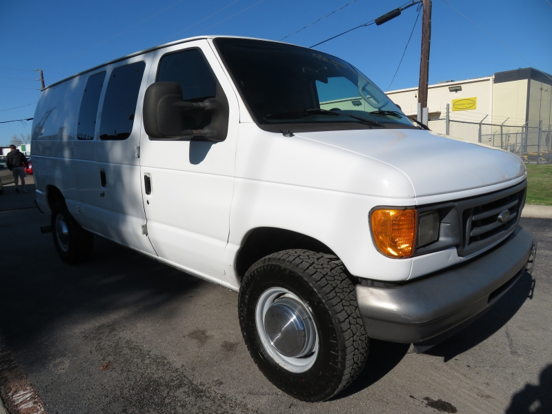Ford Econoline Cargo Van 2006 price $8,890