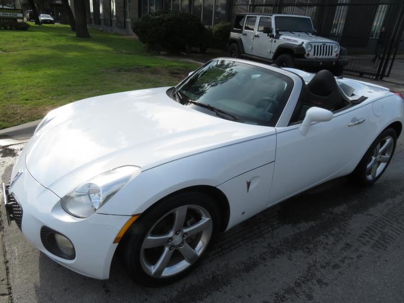 Pontiac Solstice 2008 price $8,999